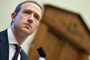 Víctimas piden a Facebook retirar posts que niegan el Holocausto judío