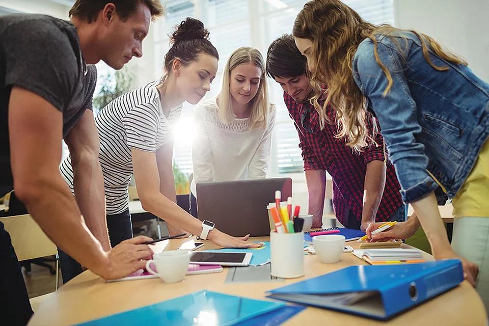 Cómo Crear Un Flujo De Trabajo Que Hará Que Los  Empleados Alcancen Sus Objetivos Comerciales